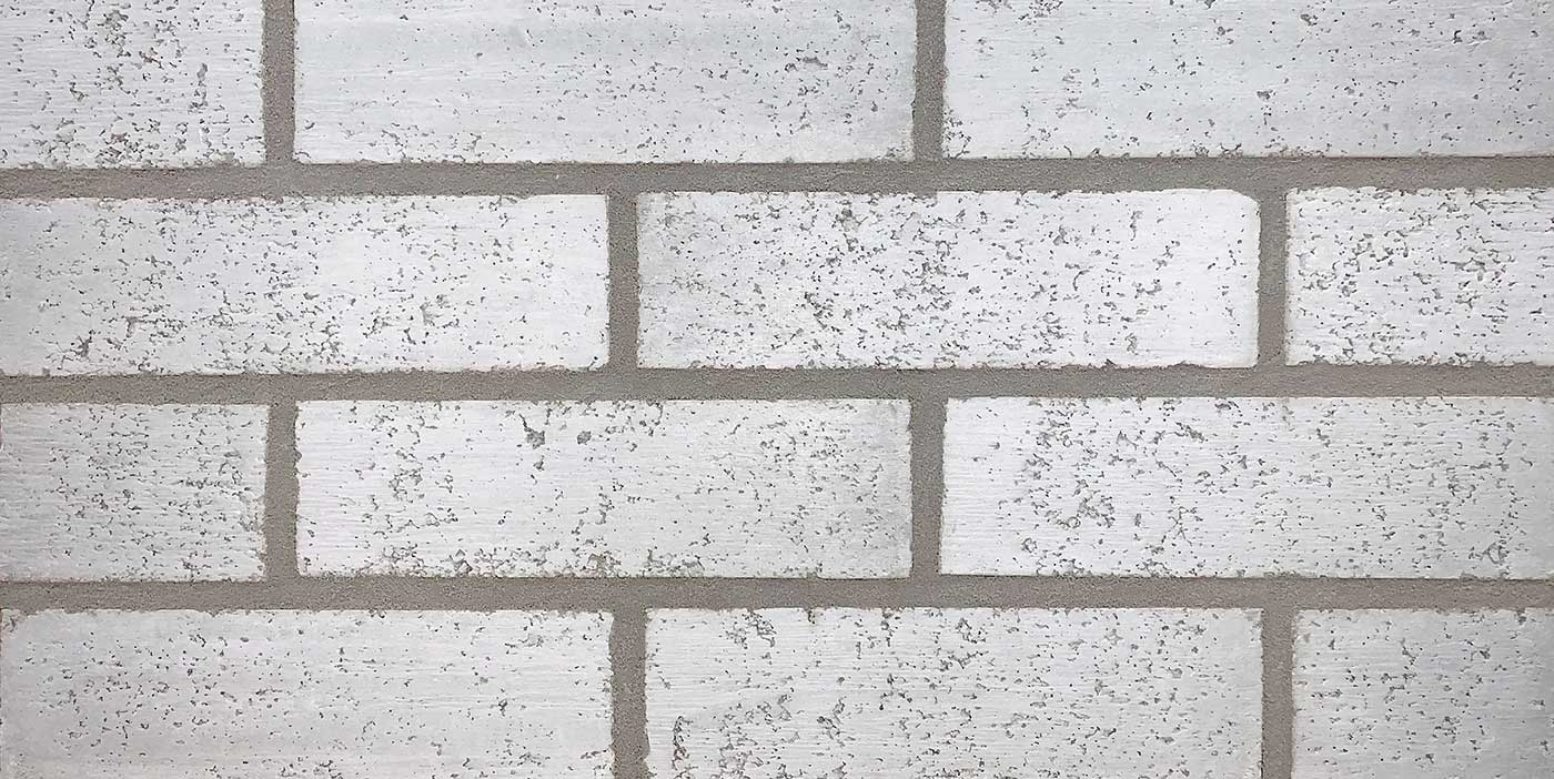 Scottsdale white brick with contrasting gray mortar