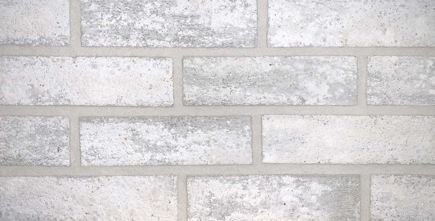 Mountain Peak white brick with white mortar