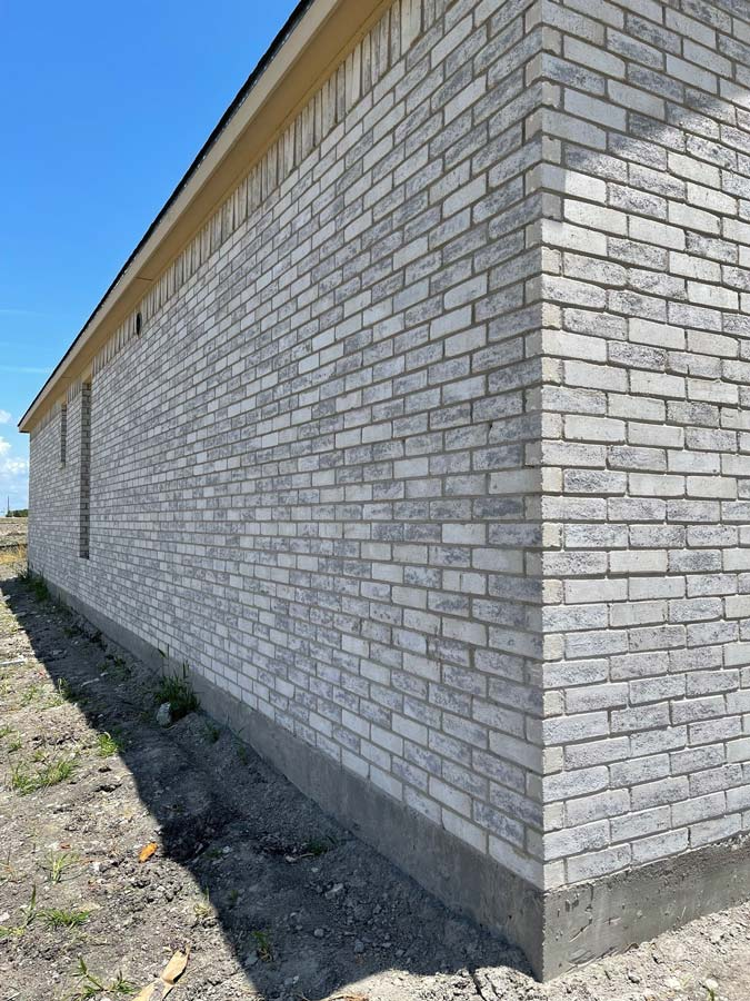 Frost White Brick on unfinished home